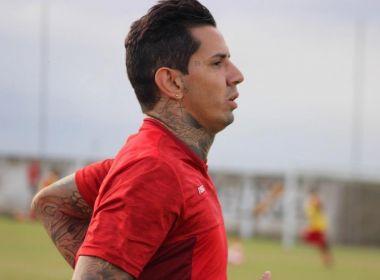 'Carinho grande pelo clube', diz Victor Ramos sobre reencontro com Vitória