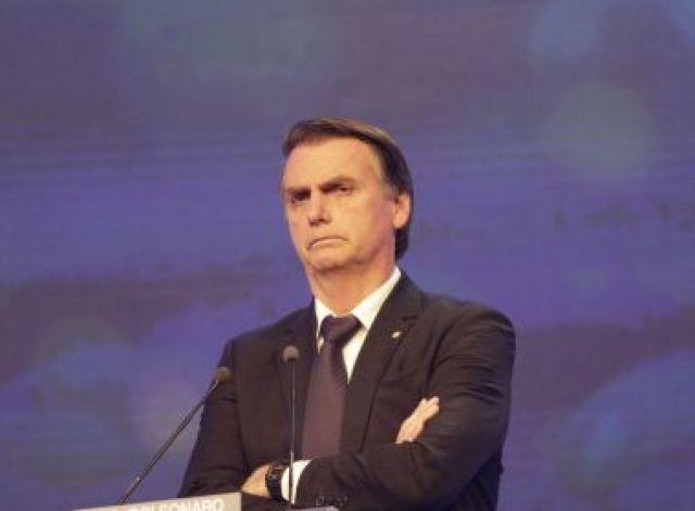 Bolsonaro fará nesta quarta primeira reunião ministerial e pedirá corte de gastos