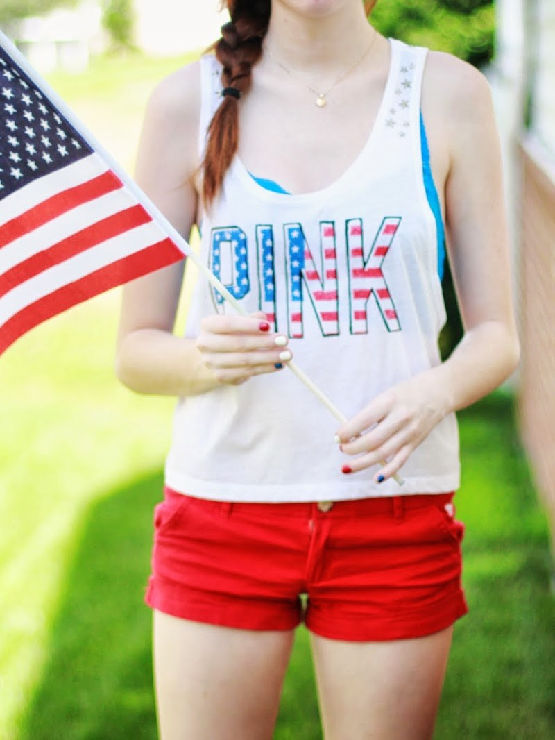 HAPPY FOURTH OF JULY! NAILS + OUTFIT OF THE DAY – 07/04/13