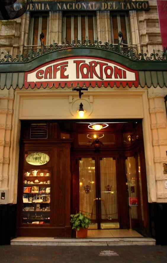 essential-11-Tortoni