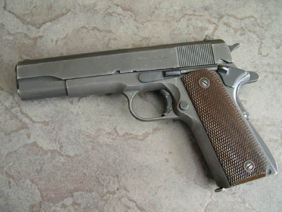 Ithaca 1911A1 de l'U.S. Army (Source: 1911forum.com).