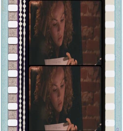 Exemplo de filme 35 mm. Do lado esquerdo as duas faixas representam as bandas de som.