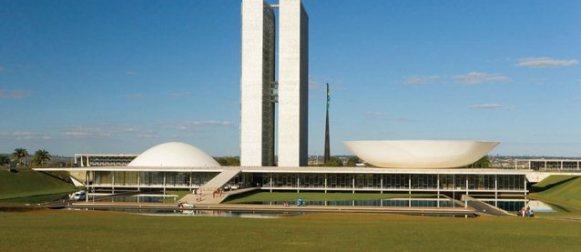 Oscar Niemeyer. Arquitecto, comunista, brasileño.