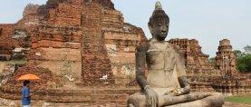 Anacrónicas asiáticas. Yoga: deporte para nenitas y maricones