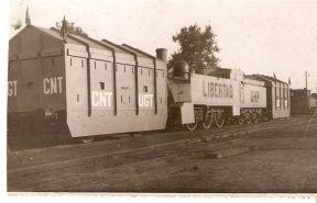 TREN BLINDADO nº 10 con base en el Central de Aragón, locomotora Couillet (belga) tipo 030, estaba destinado en la Zona de Levante, fue construido por CASA DEVIS, posteriormente MACOSA.