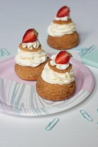 Vanilla choux with fresh strawberries