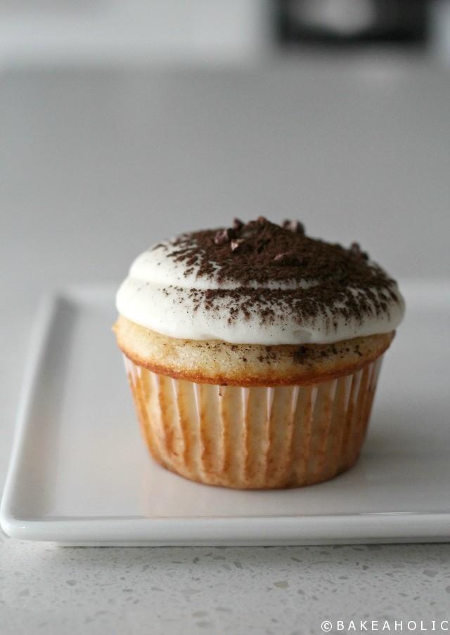 tiramisu-cupcakes-__-bakeaholic