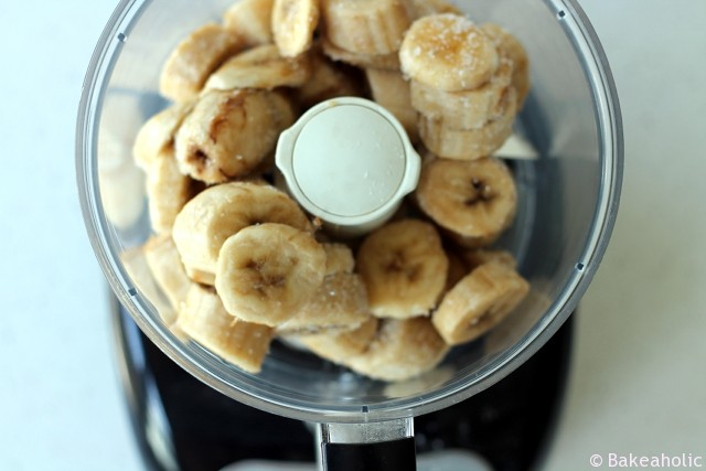 banana ice cream // bakeaholic.ca