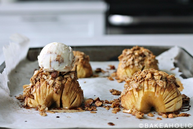 hasselback apples // bakeaholic.ca