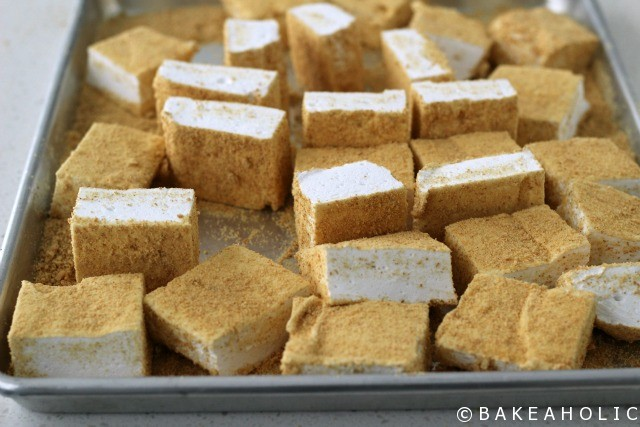 S'more Marshmallows // Bakeaholic.ca