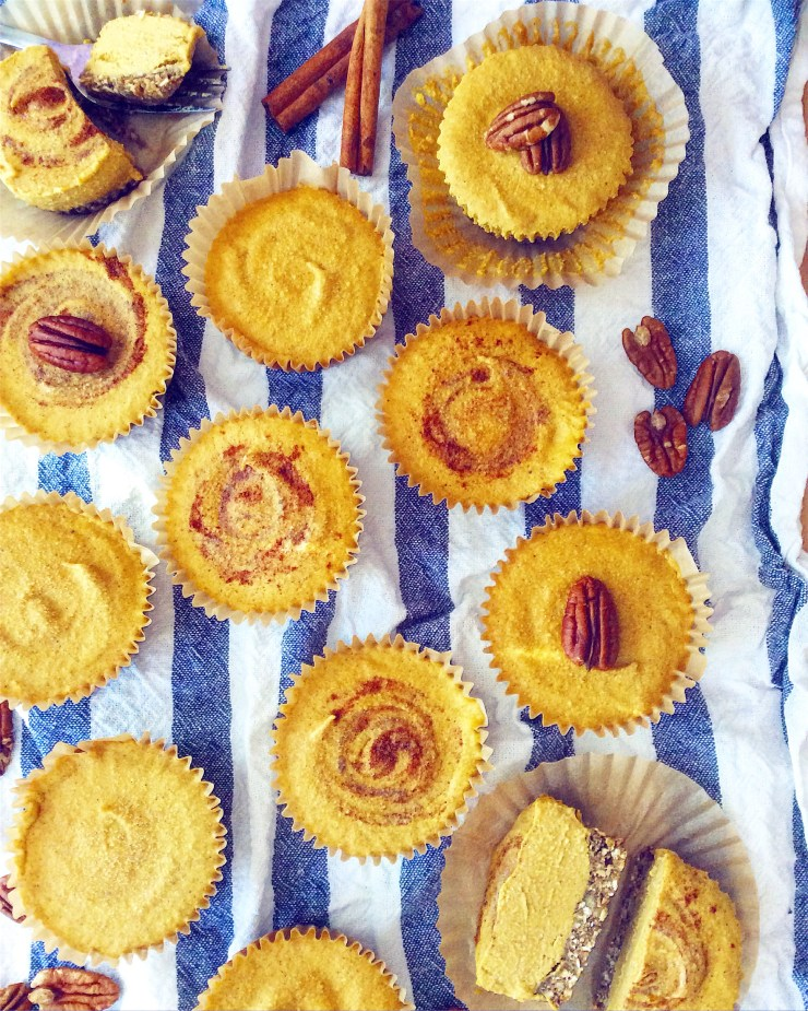 Mini No-Bake Pumpkin Cheesecakes (Vegan)