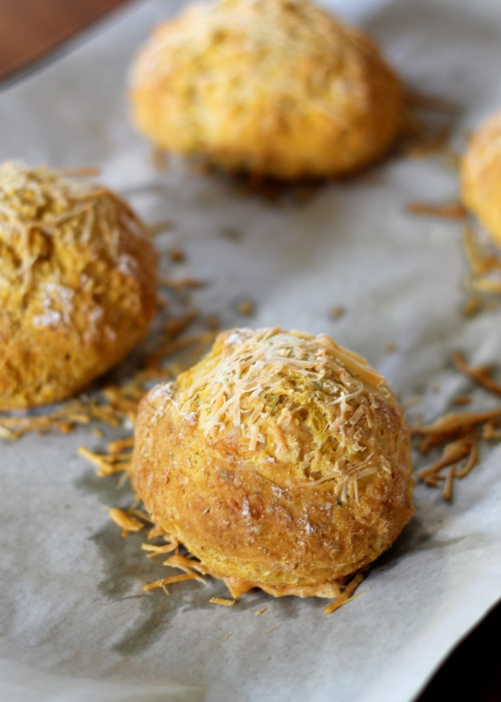 how to make bread rolls with cheese