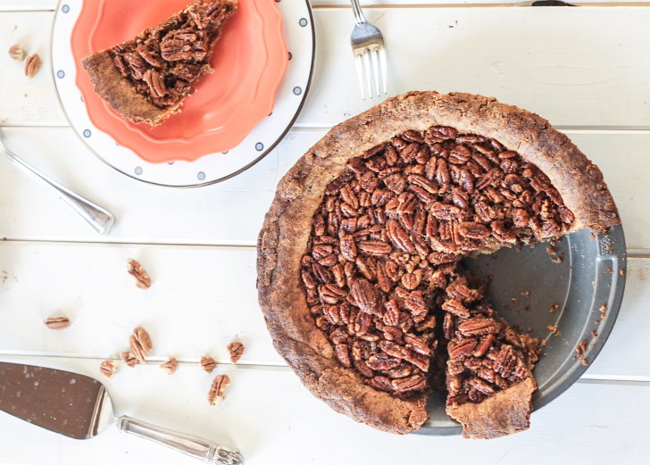 Paleo Pecan Pie   A healthier, grain-free, gluten-free, refined sugar-free alternative to traditional pecan pie. This is the BEST Paleo pie crust I've ever tried! Recipe from Bakerita.com