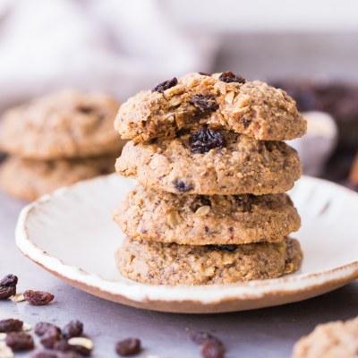 Peanut Butter Oatmeal Raisin Cookies (Gluten Free, Refined Sugar Free + Vegan)