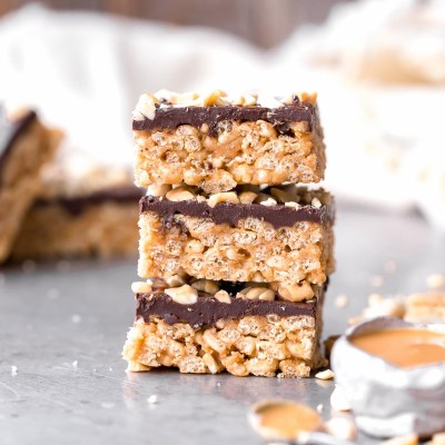 No Bake Chocolate Peanut Butter Crispy Bars (Gluten Free, Refined Sugar Free + Vegan)