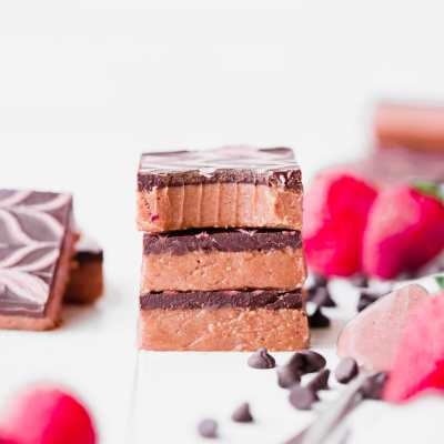 No Bake Chocolate Strawberry Cashew Butter Bars (Gluten Free, Paleo + Vegan)