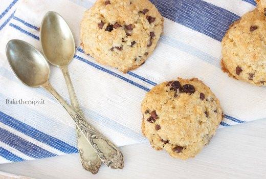Biscotti con avena e uvetta