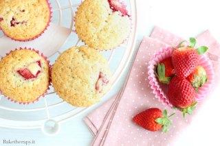 Muffin alle fragole. Ricetta base senza lattosio.