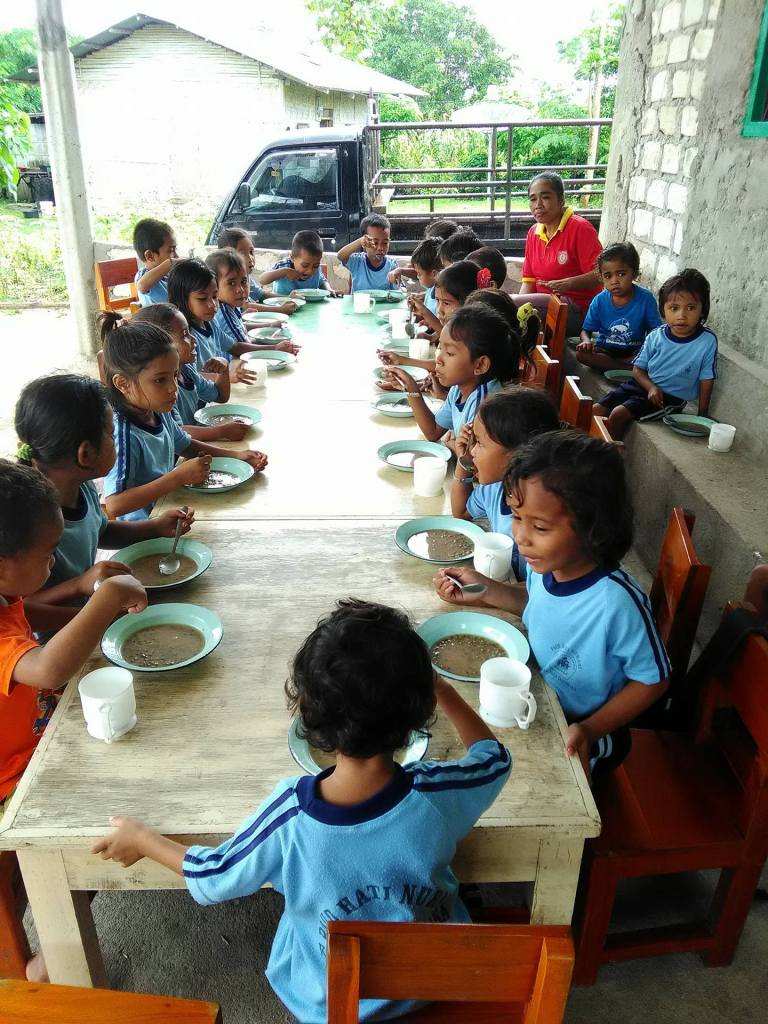 Eating together at the Hati Nurani Orphanage in Sumba, Indonesia
