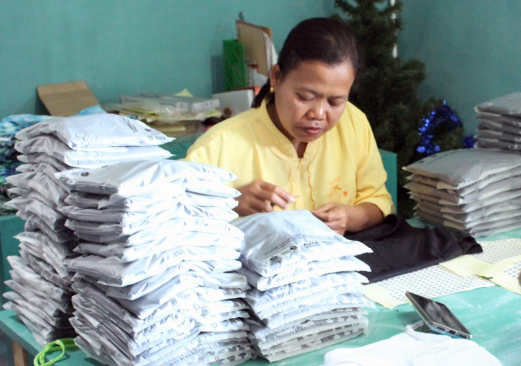 Using bio-degradable packing materials by Baki Clothing Company