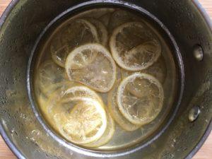 Lemon meringue tart - Lemon slices