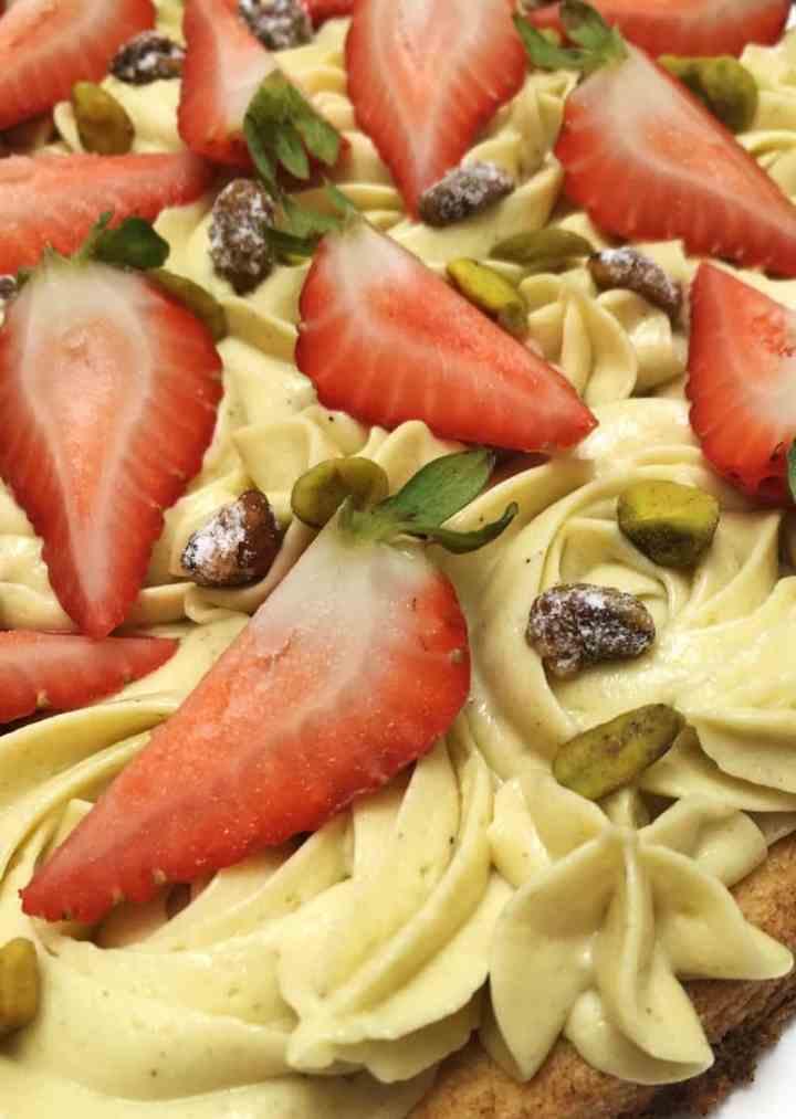 Decorated Strawberry Pistachio Tart: Bird view