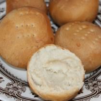 Harde broodjes uit eigen oven