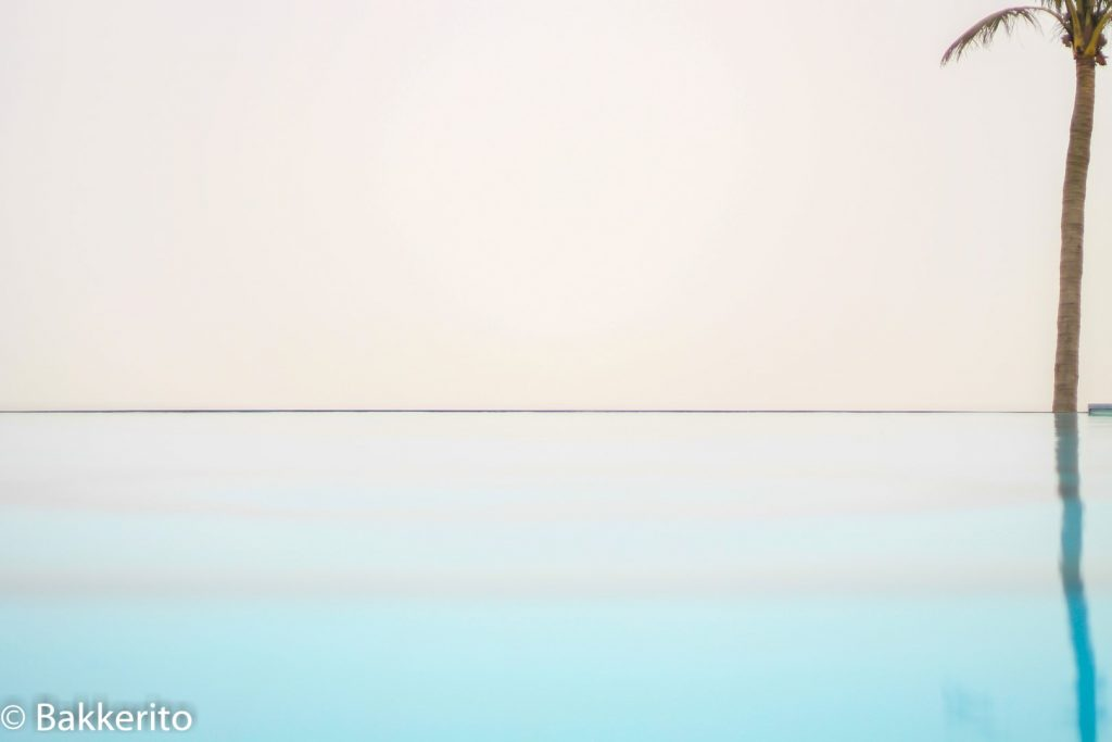 Emptyness at the pool