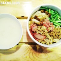 Ncek Legenda Noodle Bar, Kelapa Hybrida, Kelapa Gading