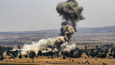صورة طائرات ومدفعية الاحتلال يقصفان أهدافًا في قطاع غزة