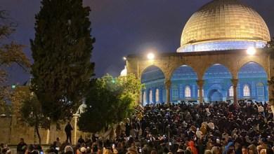 صورة الاحتلال يعتدي على المصلين في المسجد الإقصى