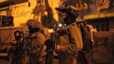 صورة قوات الاحتلال تعتقل 4 شبان شمال مدينة رام الله