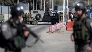 صورة إصابة شاب برصاص الاحتلال بزعم محاولته تنفيذ عملية دهس بالقدس
