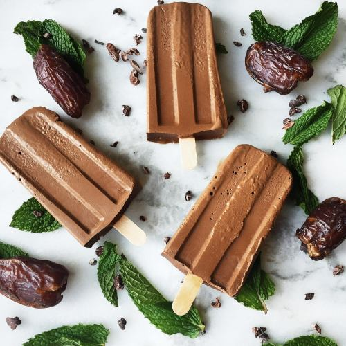 5 Ingredient Gluten and Dairy-Free Mint Chocolate Popsicle