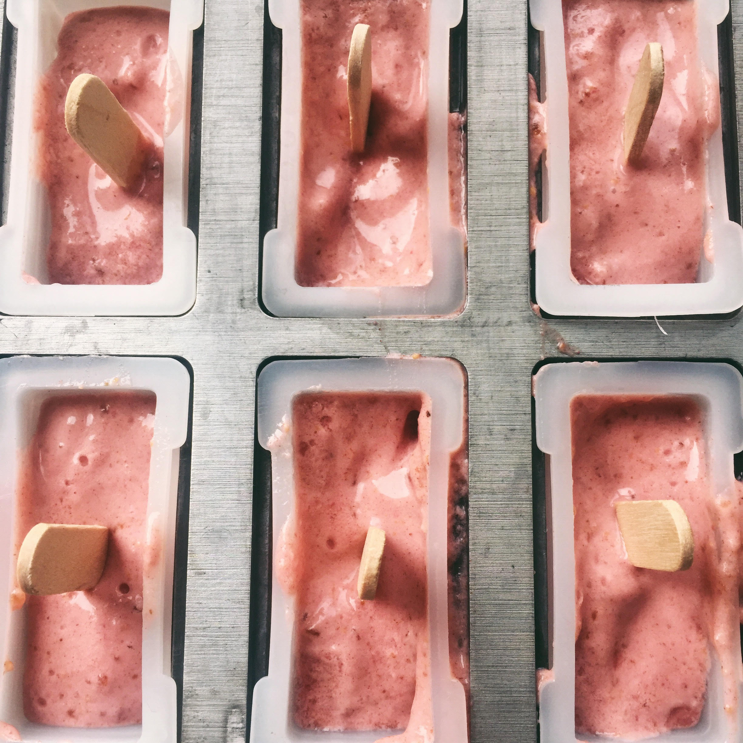 5 Ingredient Berries and Cream Popsicles