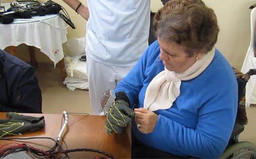 La Fundación Cuidar y Curar promueve el desarrollo de un innovador exoesqueleto blando para la rehabilitación o asistencia