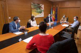 Agasede se reúne con la Conselleira de Política Social para poner en valor el esfuerzo realizado por el sector
