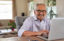 Talleres virtuales contra la soledad de las personas mayores en Asturias