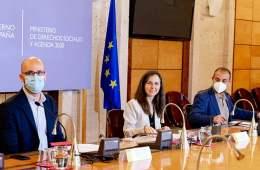 Ione Belarra reafirma su compromiso por reforzar las políticas de cuidados desde el Imserso