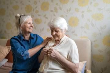 Las personas mayores prefieren ser cuidados en casa