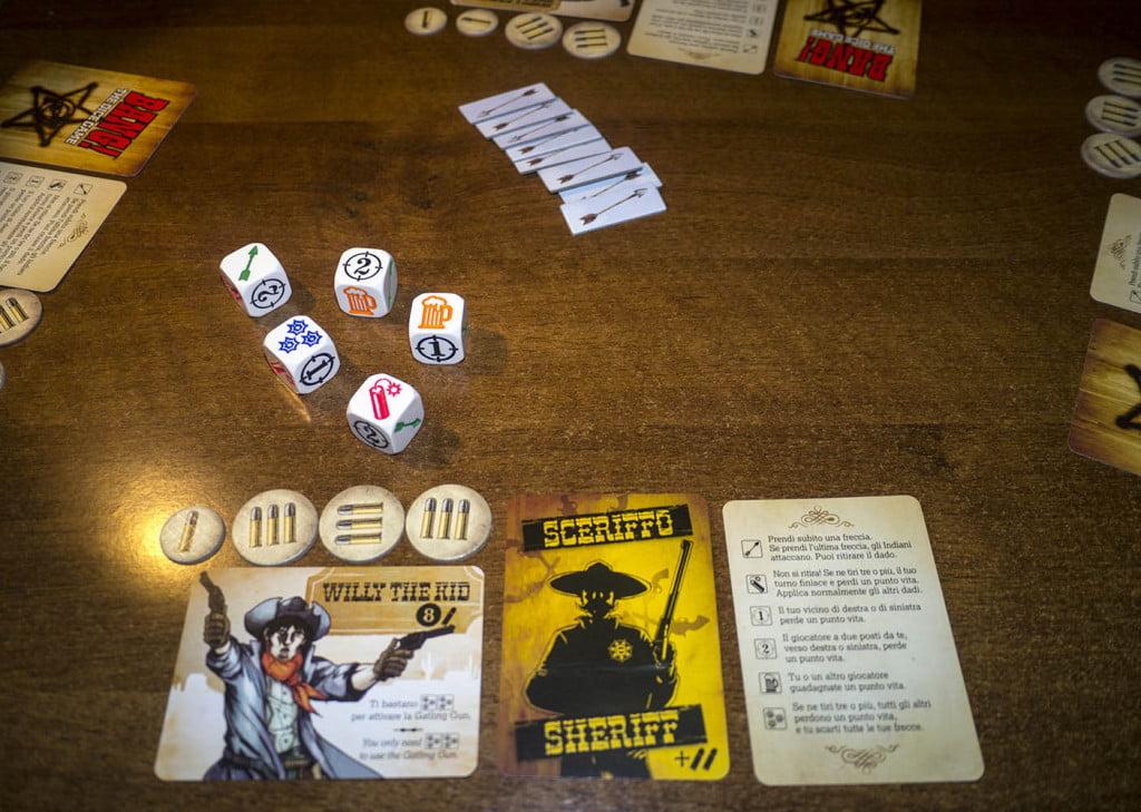 Lo sceriffo Willy The Kid comincia la partita: peccato per la birra, non ha ancora la gola abbastanza secca...