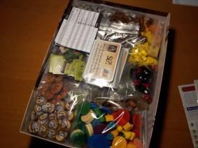 Una volta diviso il tutto la scatola si rivela appena sufficiente e contenerlo!