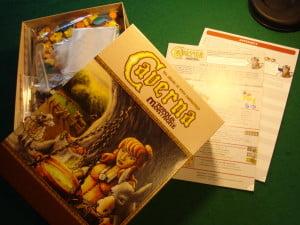 La grossa e pesante scatola di Caverna promette tesori...