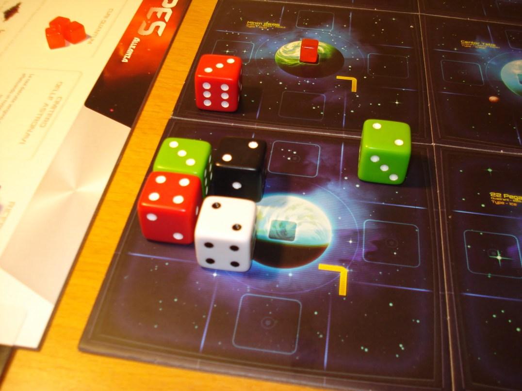 Il giocatore verde tenta il tutto per tutto, e attacca la Fregata nemica: vittoria!