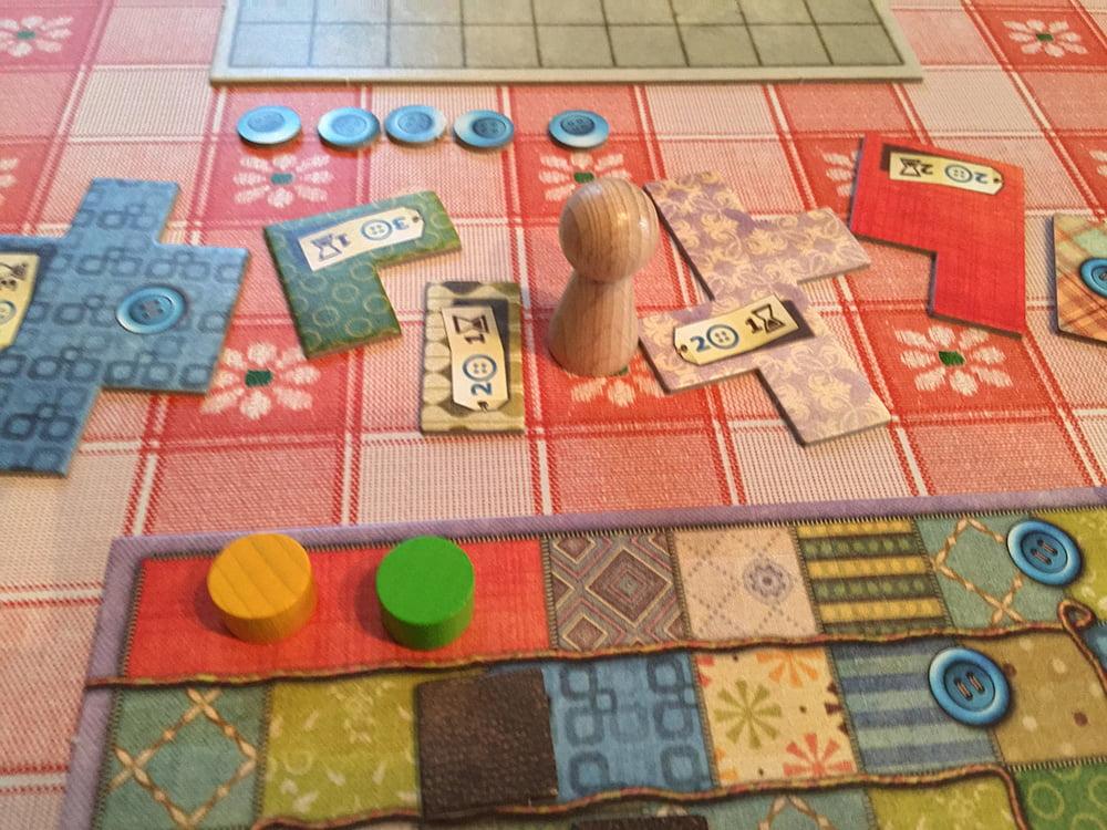 Il dilemma di ogni turno di gioco: attacchiamo pezza oppure bottone?
