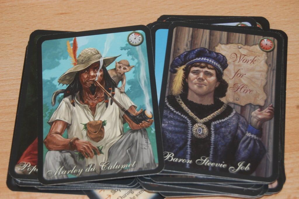 Il retro delle carte: i personaggi raffigurati rappresentano a modo loro le condizioni di vittoria o la situazione di partenza.