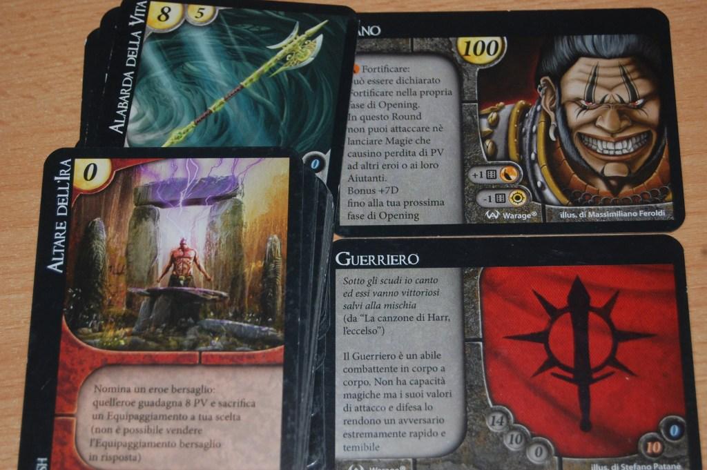 """Ecco l'Orco Guerriero e i suo mazzo pieno di carte per il combattimento """"corpo a corpo"""""""