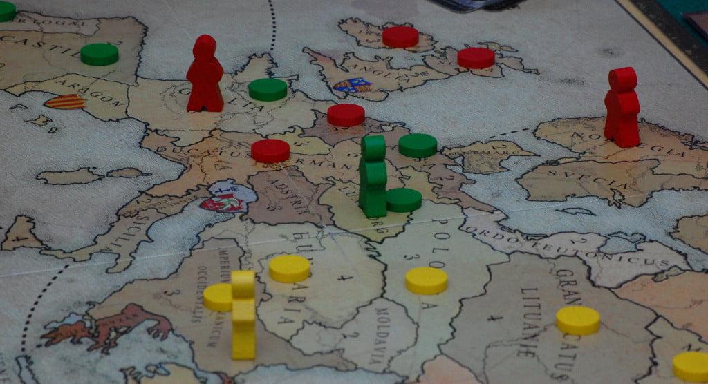 Può capitare di controllare territori isolati dal resto del regno.