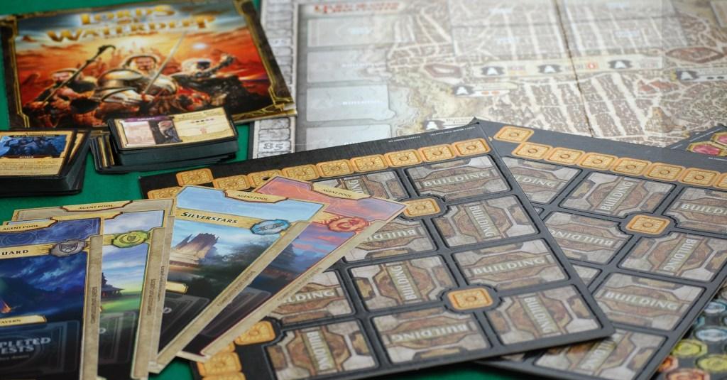 Unboxing: fa strano aprire un giocobrandizzato D&D e non trovare neanche un dado!