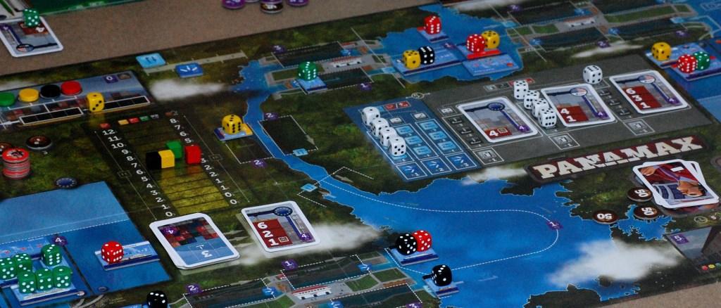Il Canale di Panama con la sua sequenza di chiuse e laghi di raccolta.